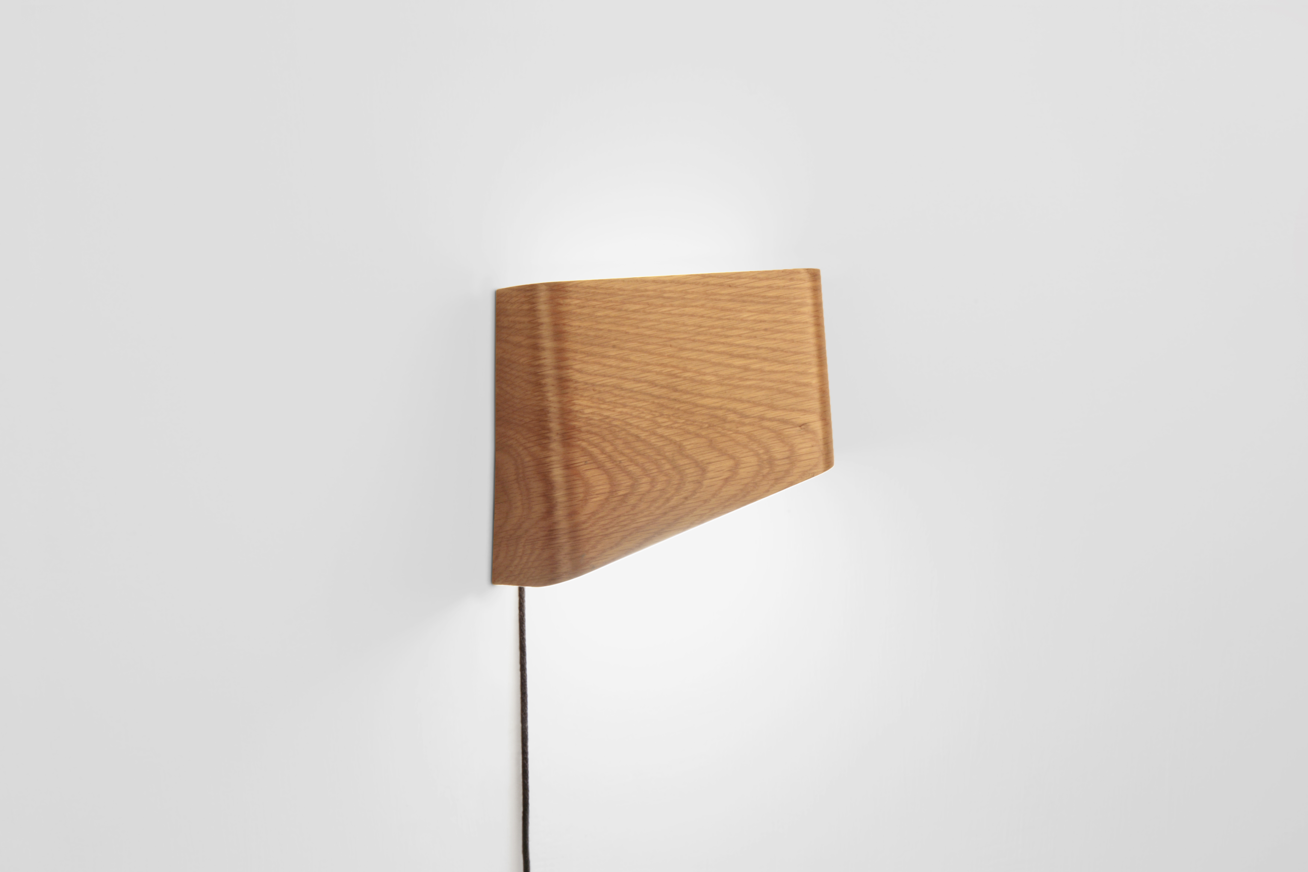META SLICEs LED Holz Touch Wandleuchte ∣ Walnuss | Rechts